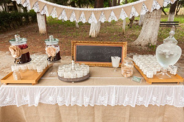 Wedding Reception Food Ideas For The Budget-Conscious