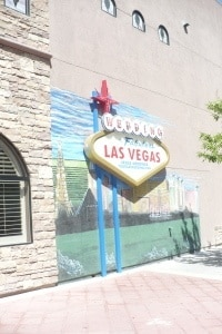 wedding in fabulous las vegas mural